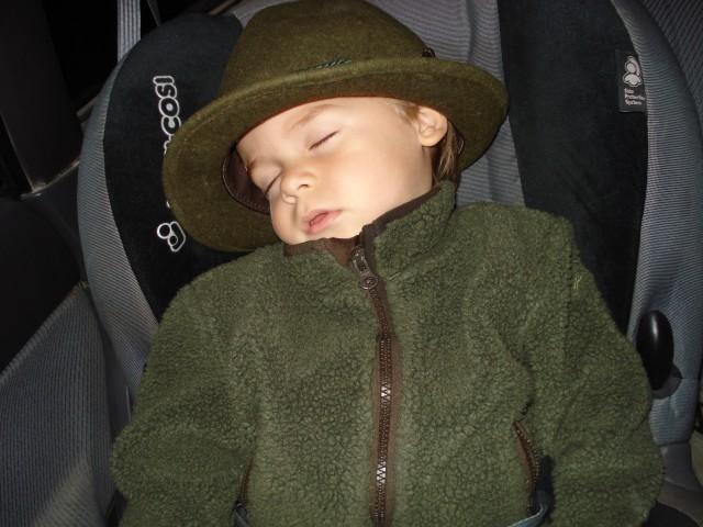 Dan je bil tako poln, da je naš mali jager zaspal :)