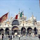 Markova cerkev v Benetkah v 60. letih še pred obnovo