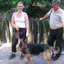 Nemški ovčar Žak z lastnico Alenko in njenim očetom