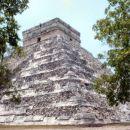 velika piramida (El Castillo) v Chichen Itzi