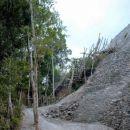 piramida v džungli
