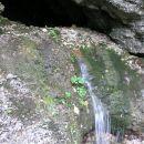 voda v vseh izvir(čk)ih, pa tudi z neba