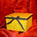 Škatlica od palčk za ušesa...rumen zavijalni papir