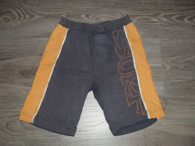 Kr. hlače. št. 116, 3 eur