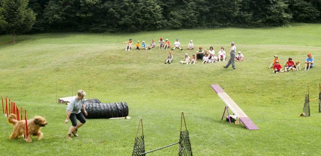 Obisk otrok Aktivnih počitnic   1.7.2009 - foto povečava