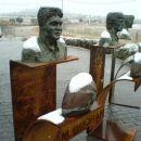 Eden od doprsnih kipov na spomeniku je tudi tale. Mick Doohan, avstralska legenda motocikl