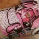 Voziček z dojenčkom