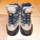 pohodni čevlji + drsalke