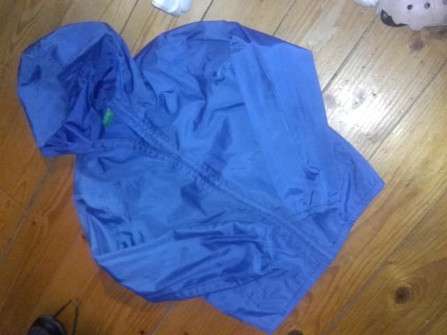 Benetton jakna st.140 cena 8 eur
