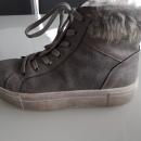 Zimski dekliški čevlji št. 38