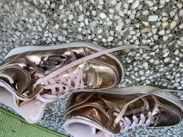 Skechers čevlji, roza - foto