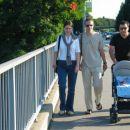 Na sprehodu s teto Zdenko, stricem Robijem in atijem, september 2005