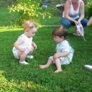 Prijeten klepet v travi - Eva in Enej