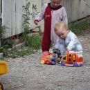 10.8.06 sosedove igrače so boljše od mojih