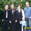 Bratje Alex, David in Igor z ženo Nado in sinom Aljošo.