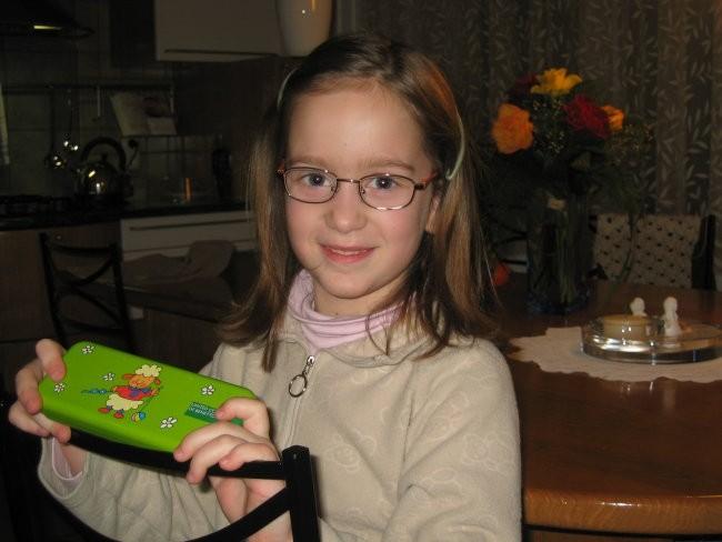 Pia z očali