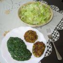 sojini polpeti, spinaca in zelena solata