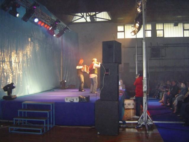 Grega in Fredi igrata Na sredi Slovenj Gradca v turbo dance folk verziji