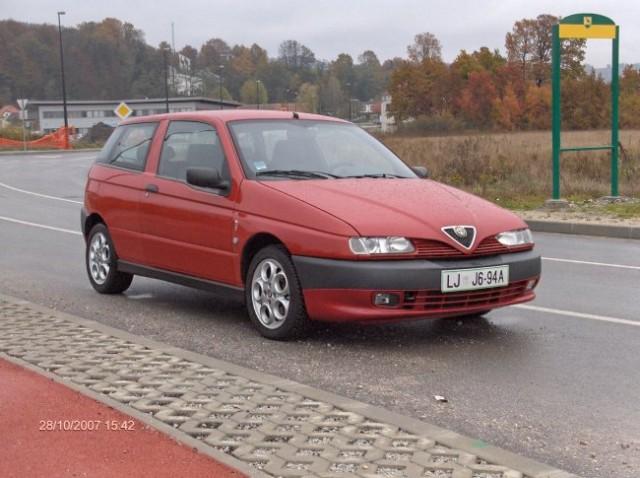 Alfa-romeo 145 - foto