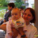 moja prijateljica sara z mamico bernardo