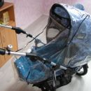 voziček s prevleko za dež
