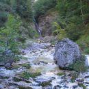 9 po strugi k zgornjim slapovom