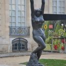 Meštrovićev kip pred muzejem Rodin3