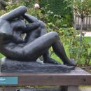 Meštorvićev kip pred muzejem Rodin