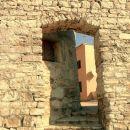 Vrata v mestnem obzidju - pametno - samo eden po eden