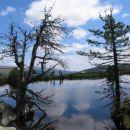Dve kleki na jezeru