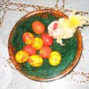 Velika noč 2007 - pirhke sm marmorirala, piščančka pa sem našla v omarici! ;) To dekoracij