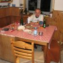 00:30, topla kuhinja Pogačnika. Mnjami!