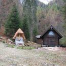 Finzgarjeva kapelica in obelezje padlim v Martuljskih gorah.