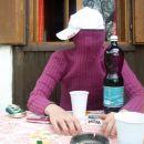 to je pa moja sestra, podobnost je ocitna, sam da jst ne maram vec vina