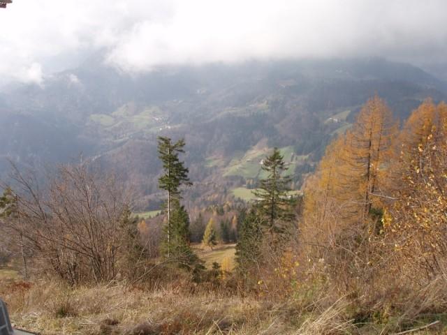 25 Pogled v dolino