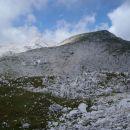 Pogled na vrh Tosca, a še vedno sva na njegovi planoti.