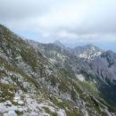 Ob spustu levo pobočje VDV,MDV,Viševnik in Sleme, vidna pot Studor-Vodnik.