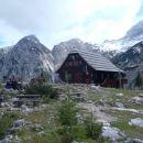 Češka k. zadaj Ledinski vrh in V.Baba levo.