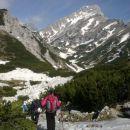 Pot proti planini Korošici (zadaj se pokaže Ojstrica)