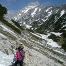 Pot proti planini Korošici (zadaj Ojstrica)