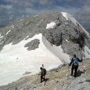 Spust proti sedlu med obema vrhovoma Kanjavca