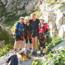 Na Luknji (1758m) se opremimo za plezalno pot čez Plemenice