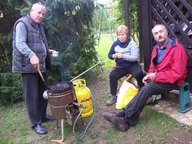 20131103 Žavcarjev vrh - kostanji - foto