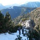 Pogled nazaj na prehojeno pot in razgled na Kamniško-Savinjske alpe