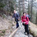 Pot proti Koči na Klemenči jami