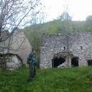 Ostanki porušenih zgradb