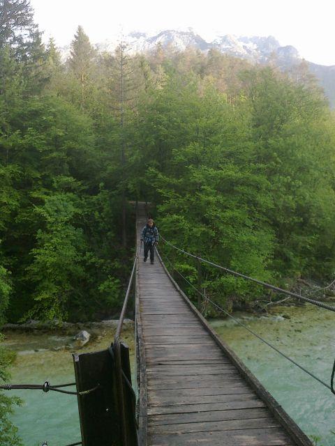 Pot čez viseči most