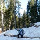 Snega je že v spodnjem delu poti kar precej
