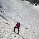 Strma snežišča pod Kamnitim lovcem