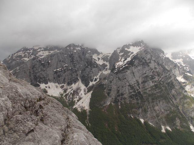 Pogled na Bavški gamsovec (levo) in Stenar (desno)